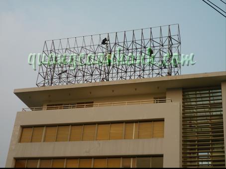 thi cong pano (billboard)
